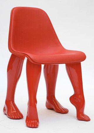 """s'il vous plaît, monsieur Ionesco, j""""aurais besoin d'une chaise! une seule!"""