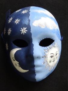 accessoires-de-maison-masque-visage-motif-soleil-et-lune-2210148-dsc02186-fccb2_big